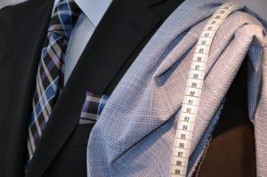 Anzugstoff wählen: welcher Stoff macht den idealen Anzug?